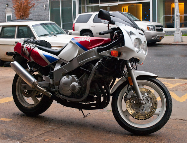 This is what the Yamaha FZR 600 looked like when purchased.